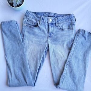AE Light Wash Jeans